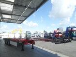 photo de Occasion  Semi-remorques Schmitz Liftachse Ausziehbar Extending-Multifunctional-Chassis SCF 24 3 Essieux 2013