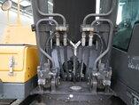 foto di Usato Macchine Movimento Terra Volvo EC240C NL Track 2009