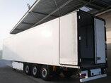 Fénykép: Used Poluprikolica Krone Doppelstock Carrier Vector 1850 5241 Hours SD Osovine 2011