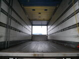 photo of Used Trailer GT/Fruehauf Ladebordwand Hardholdz-Bodem Durchladesystem A2218A Axels 2004