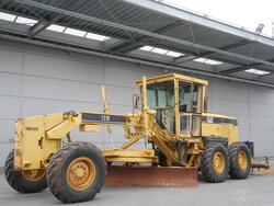 photo of Used Construction equipment Caterpillar 12H 6X4 2006