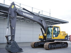 photo of Used Construction equipment Volvo EC210 B LC Track 2015