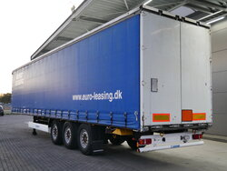 photo of Used Semi-trailer Krone SD SAF Edscha Rungen Axels 2011