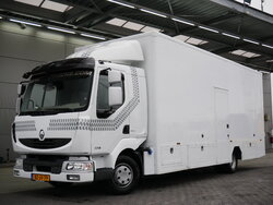 photo of Used Truck Renault Midlum 220 4X2 2011