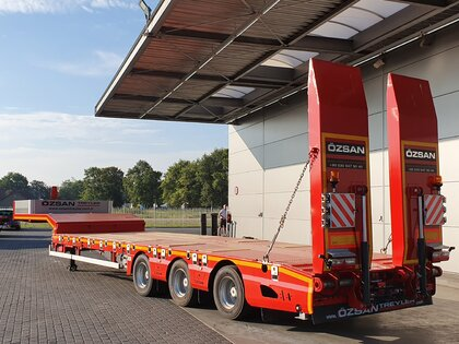 Used Low Bed Semi-trailer for sale | BAS Trucks