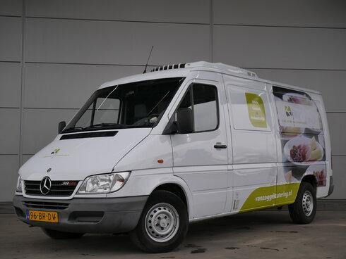 mercedes sprinter leichte nutzfahrzeuge euro 0 4400 bas trucks. Black Bedroom Furniture Sets. Home Design Ideas