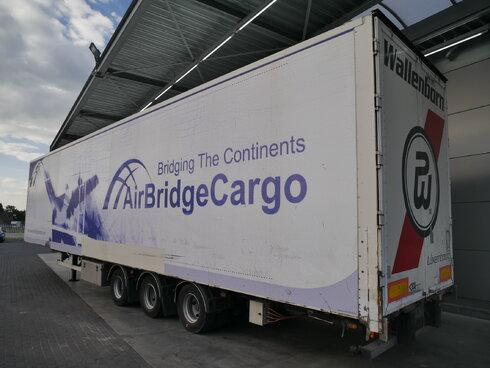 photo of Used Semi-trailer Van Eck Mega Aircargo 3 Axels 2004