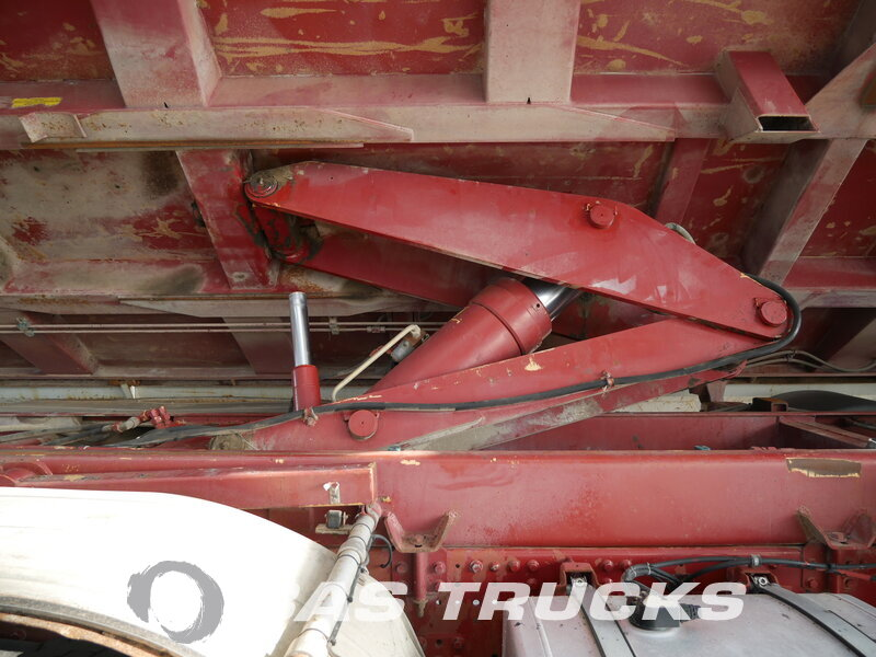 Foto van Gebruikt Bakwagen IVECO Eurotrakker 340E38H 8X4 2002