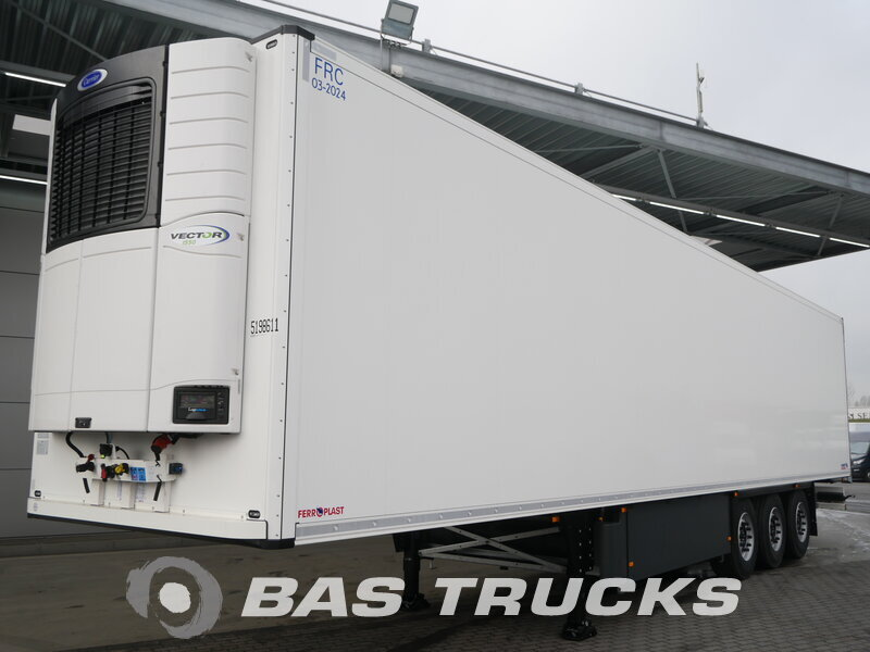 photo of New Semi-trailer Schmitz Liftachse Doppelstock Blumenbreit Palettenkasten SCB*S3B Axels