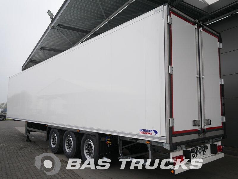 photo of New Semi-trailer Schmitz Liftachse SCB*S3B Axels