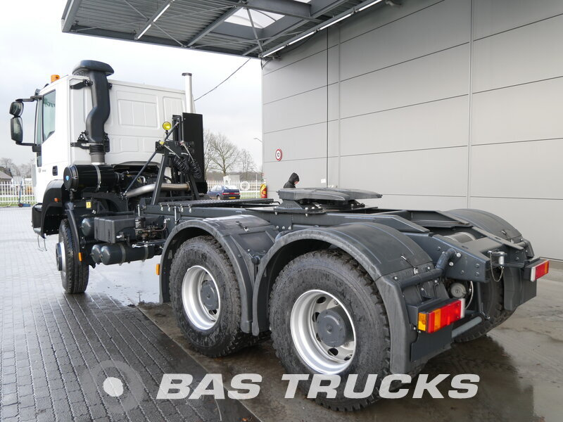 photo of New Tractorhead IVECO Astra HD9 64.42 6X4
