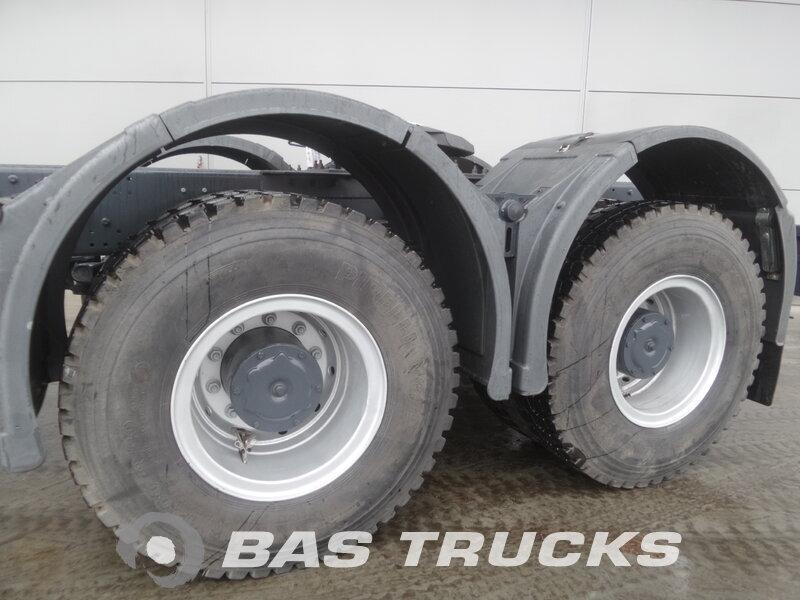 photo de Nouveau Tracteur IVECO Astra HD9 64.54 6X4
