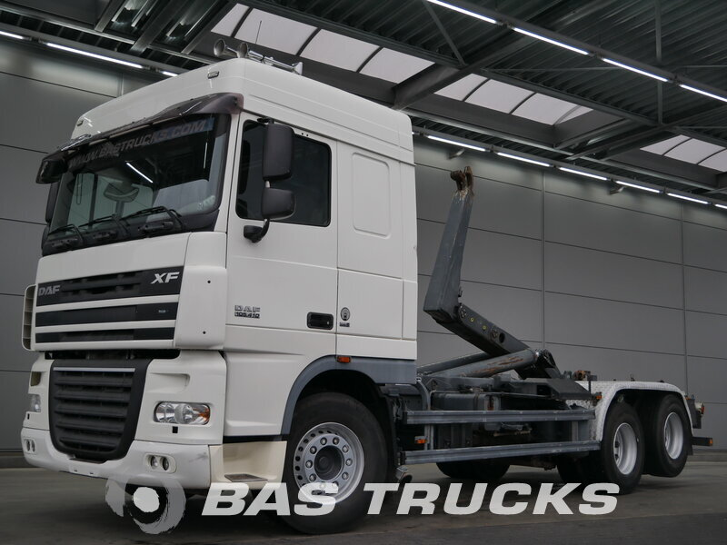 photo de Occasion  Camion DAF XF105.410 6X2 2007