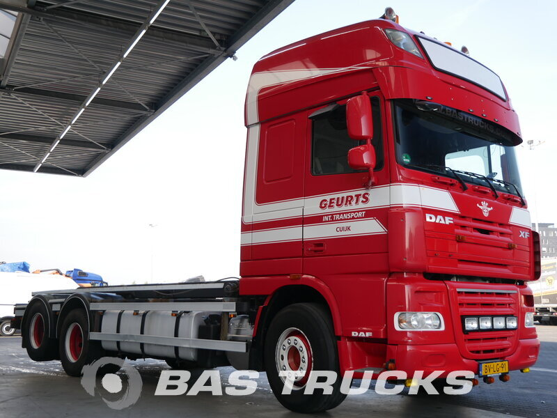 photo de Occasion  Camion DAF XF105.460 SSC 6X2 2008