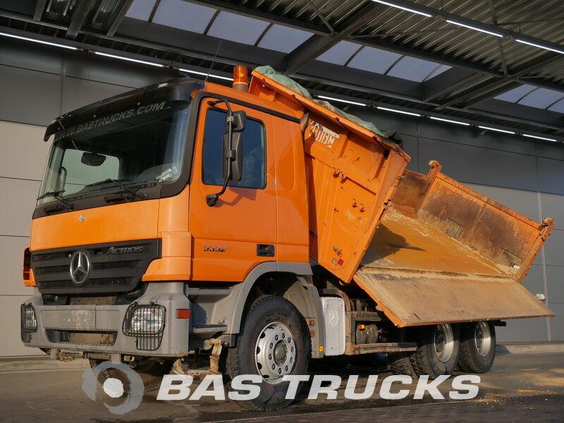 photo de Occasion  Camion Mercedes Actros 3332 K 6X4 2006