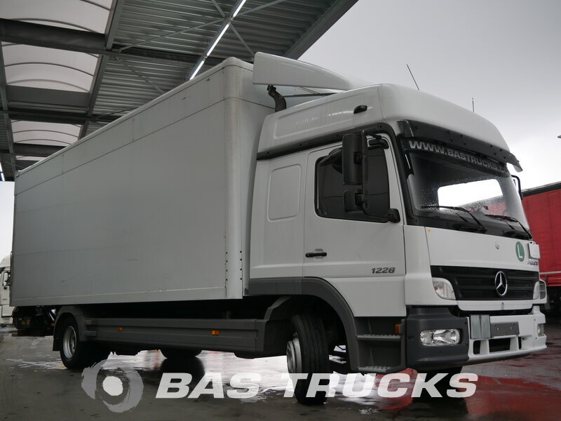 photo de Occasion  Camion Mercedes Atego 1228 L 4X2 2006