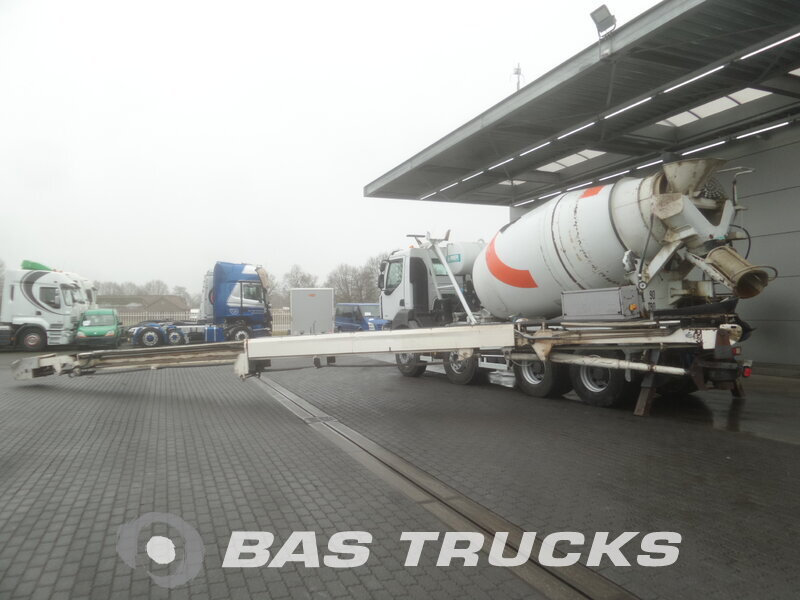 photo de Occasion  Camion Renault Kerax 410 8X4 2008