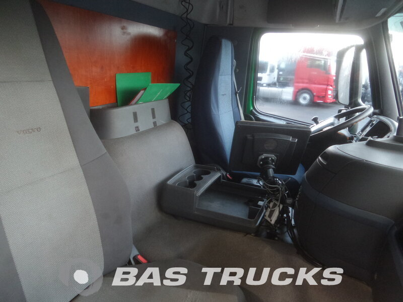 photo de Occasion  Camion Volvo FM 300 6X2 2006