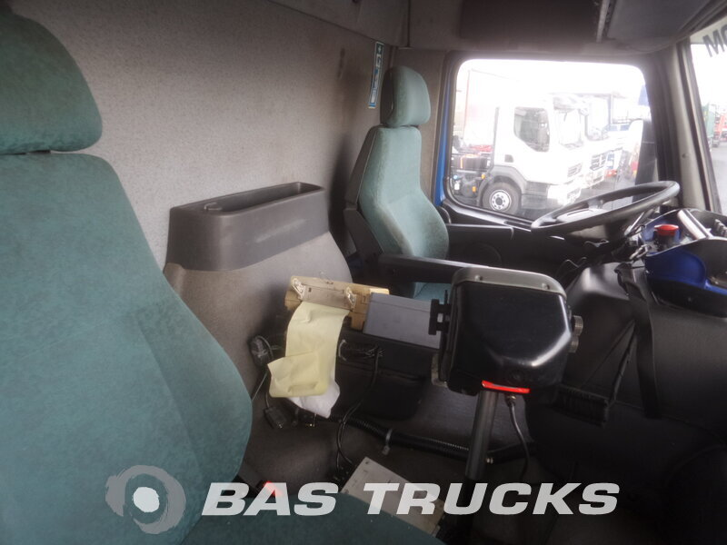 photo de Occasion  Camion Volvo FM12 340 8X2 2001
