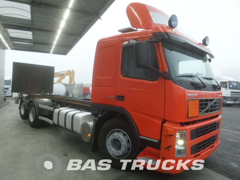 photo de Occasion  Camion Volvo FM12 420 6X2 2005