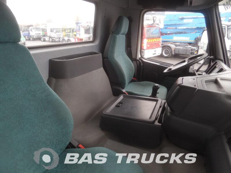 photo de Occasion  Camion Volvo FM12 420 6X4 2002