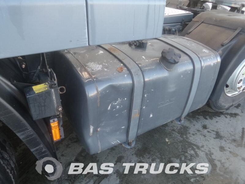 photo de Occasion  Tracteur DAF XF105.460 RHD Unfall Fahrbereit 6X2 2010