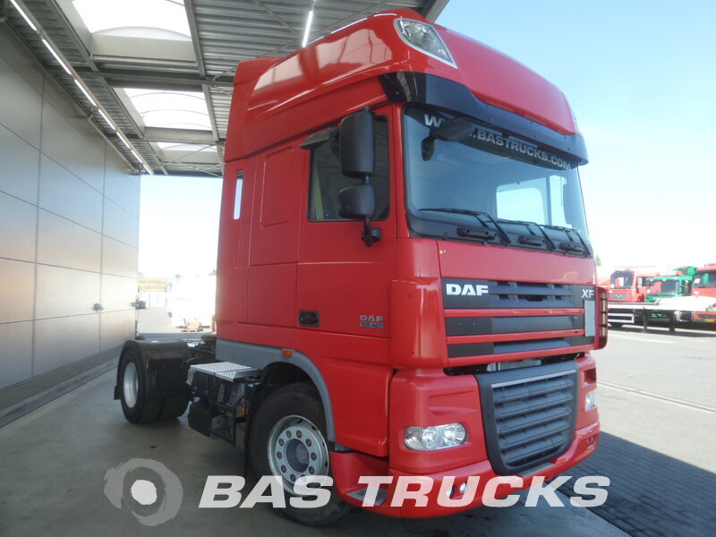 photo de Occasion  Tracteur DAF XF105.460 SSC 4X2 2011