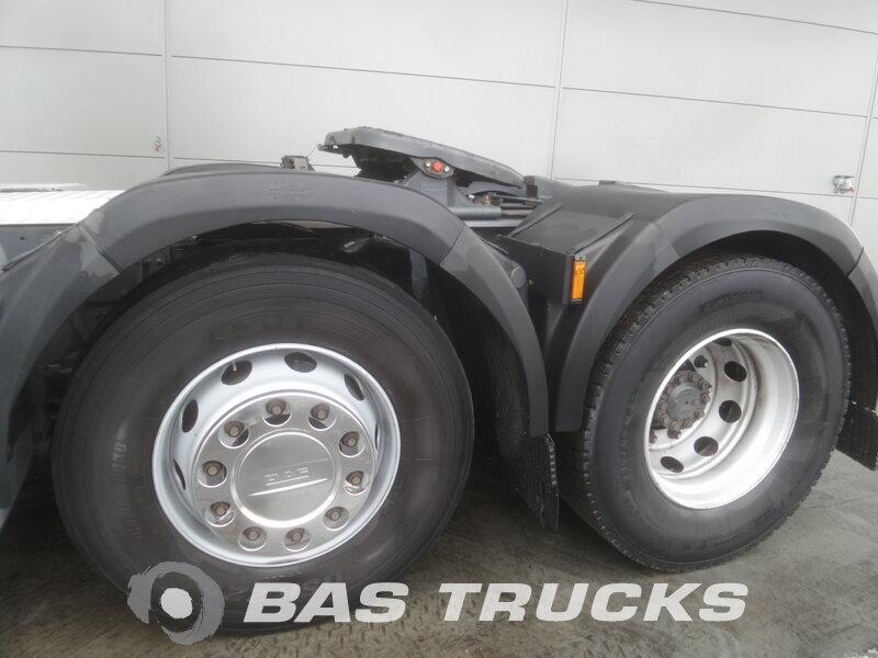 photo de Occasion  Tracteur DAF XF105.460 SSC RHD Unfall Fahrbereit 6X2 2011