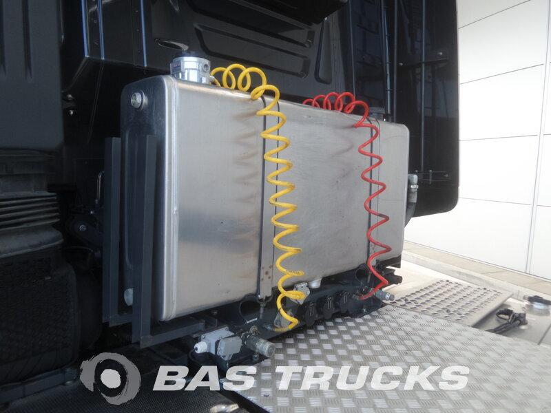 photo de Occasion  Tracteur IVECO Stralis HI-Way AS440S56 Unfall Fahrbereit 6X2 2015