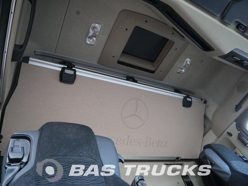 photo de Occasion  Tracteur Mercedes Actros 2442 LS Motor Schaden 4X2 2015