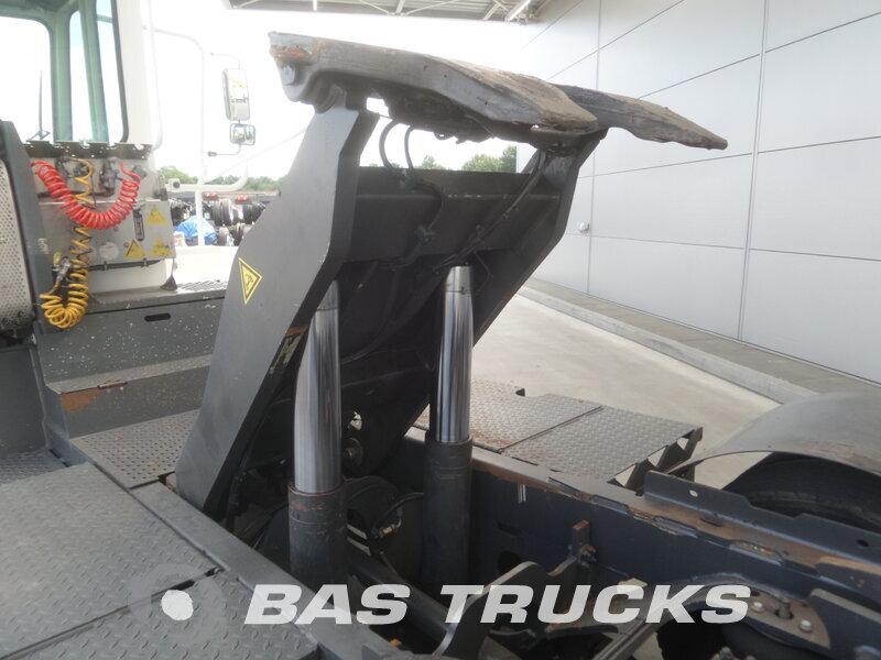 photo de Occasion  Tracteur Terberg YT182 Terminal-Trekker 4X2 2010