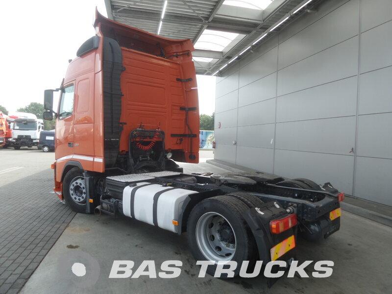 photo de Occasion  Tracteur Volvo FH 440 4X2 2005