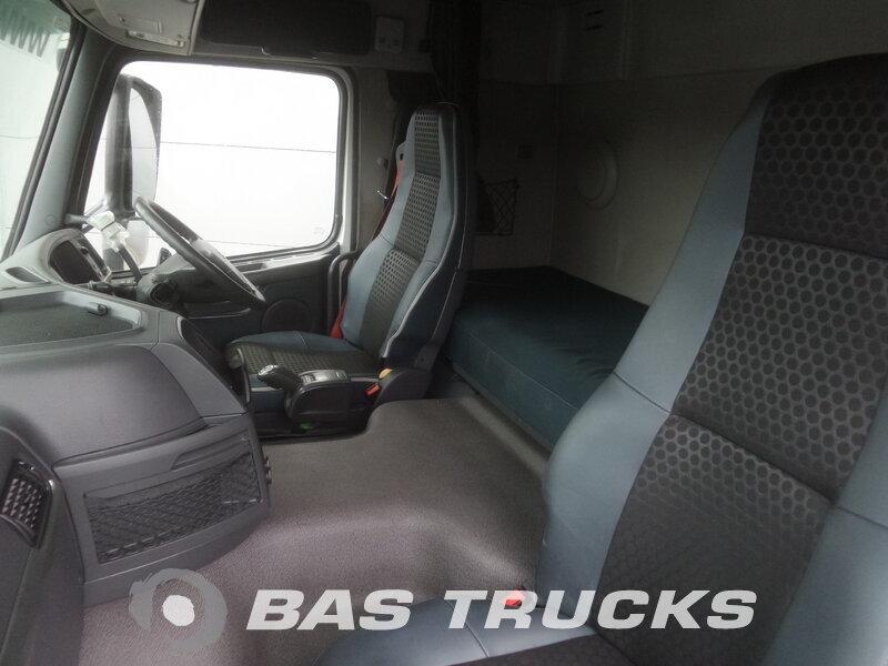 photo de Occasion  Tracteur Volvo FM 450 RHD 6X2 2011