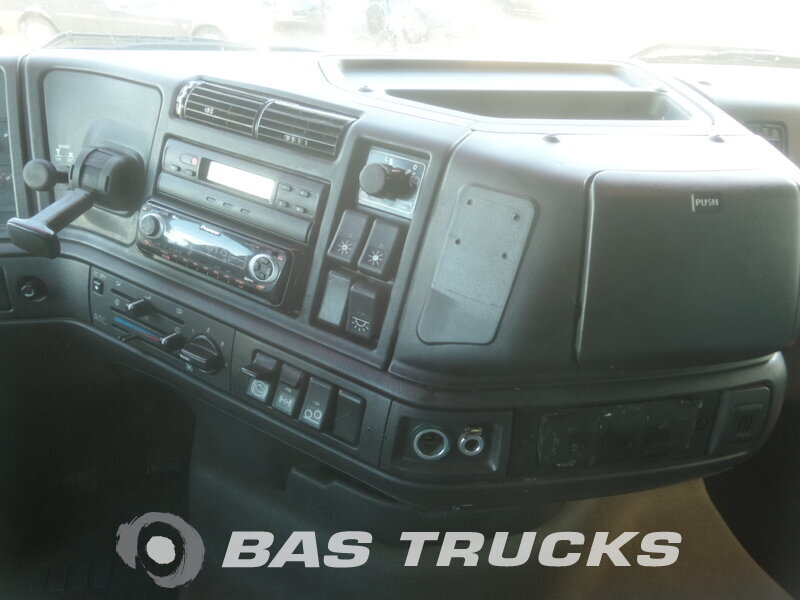 photo de Occasion Camion + Remorque Volvo FH12 420 6X2 2001