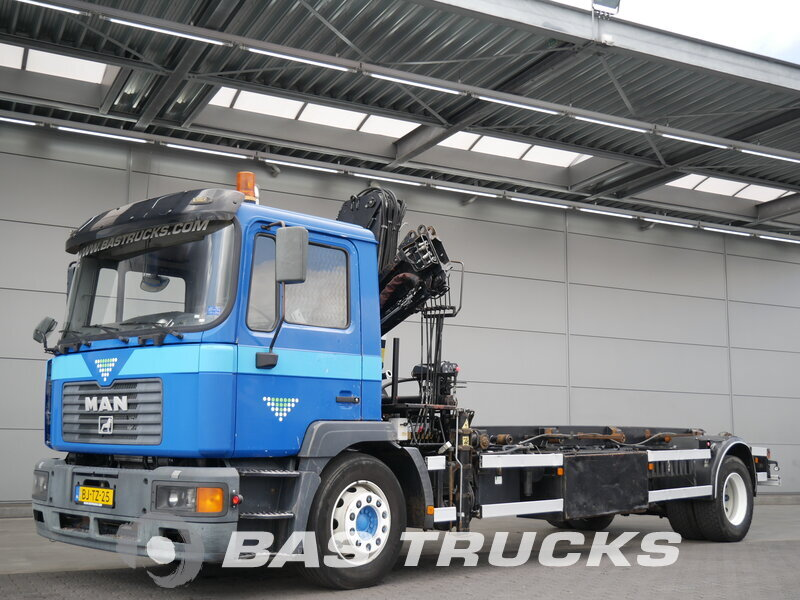 photo de Occasion Camion MAN M2000 18.224 4X2 2001