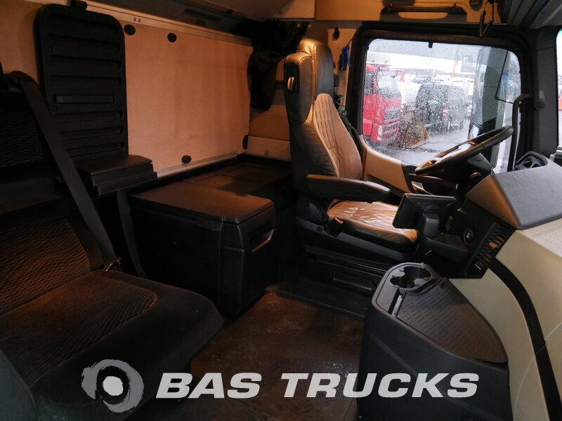 photo de Occasion Camion Mercedes Actros 2545 L 6X2 2012