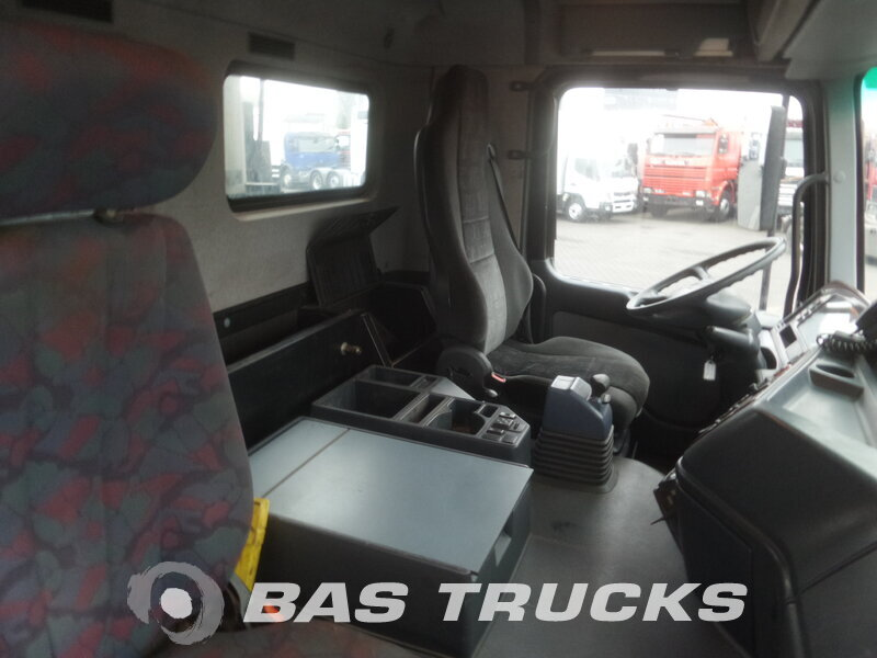 photo de Occasion Camion Mercedes Actros 4146 K 8X4 2003
