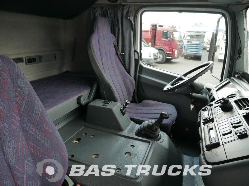 photo de Occasion Camion Mercedes Atego 1523 L 4X2 2002