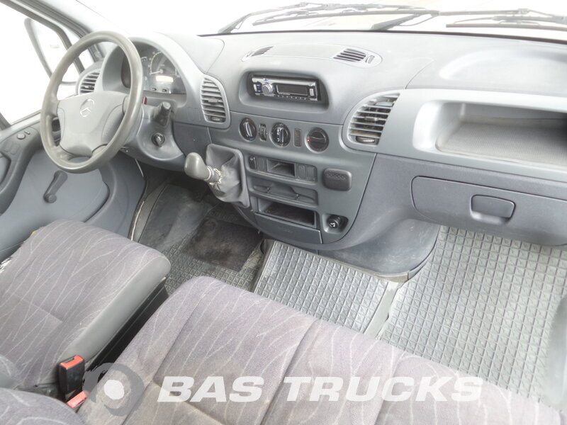 photo de Occasion LCV Mercedes Sprinter 211 7m3 2002