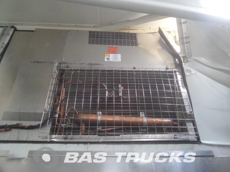 photo de Occasion Semi-remorques Krone Unfall  Thermoking Funktioniert Lift+Lenkachse Trennwand Ladebordwand SZ 2 Essieux 2014