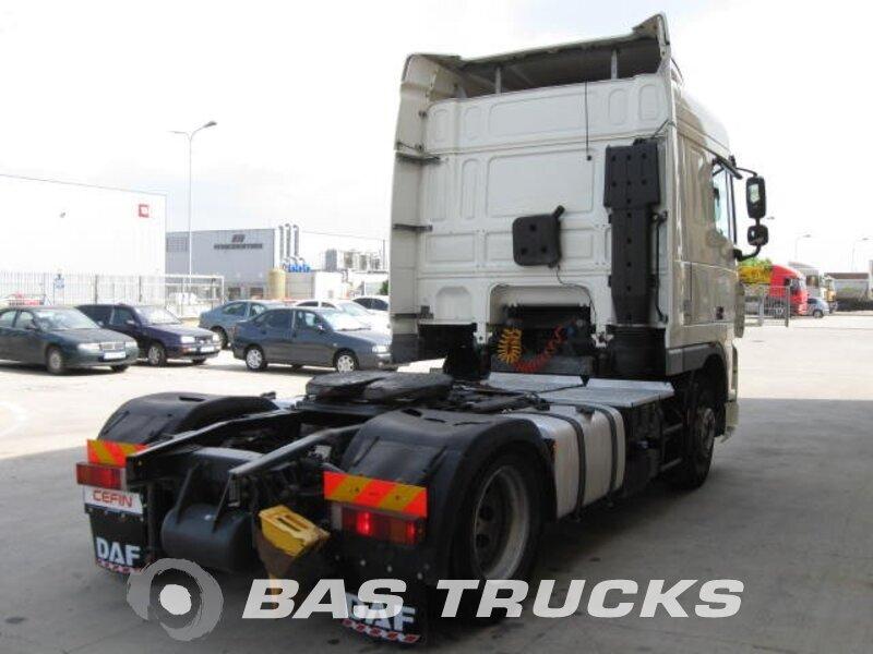 photo de Occasion Tracteur DAF XF105.460 Bucharest RO 4X2 2010