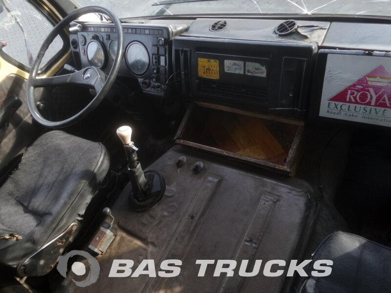 photo de Occasion Tracteur Mercedes 2236 S 6X4 1984