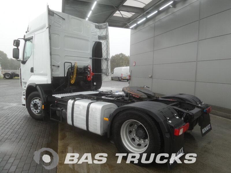 photo de Occasion Tracteur Renault Premium 450 DXi 4X2 2009