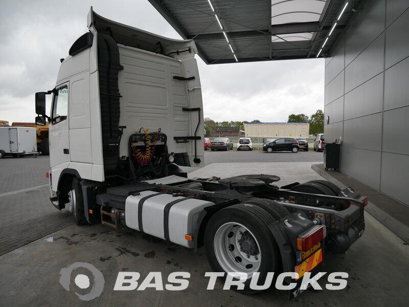 photo de Occasion Tracteur Volvo FH 380 4X2 2005