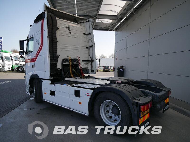 photo de Occasion Tracteur Volvo FH 420 Unfall Fahrbereit 4X2 2010