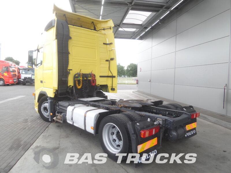 photo de Occasion Tracteur Volvo FH 440 4X2 2006