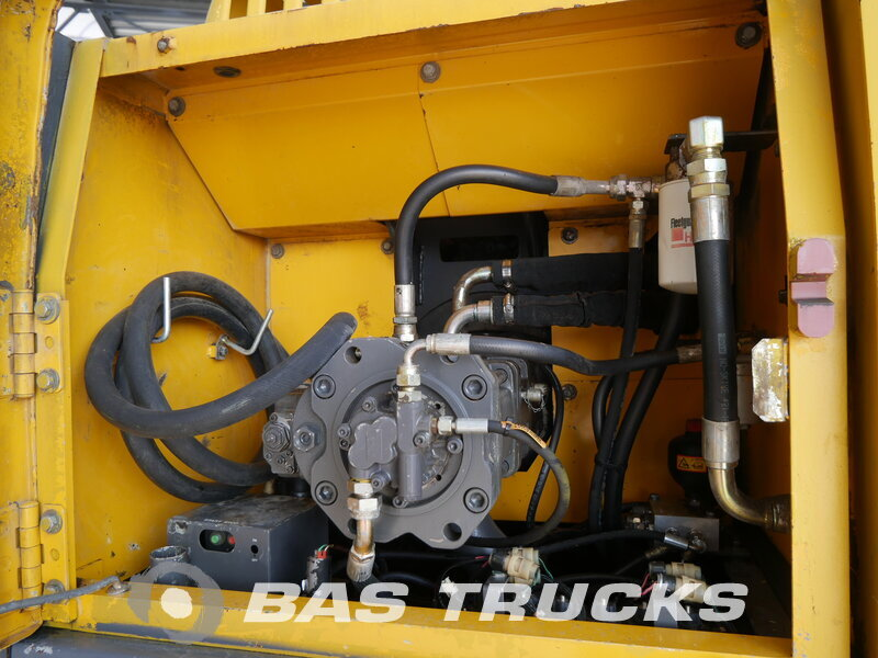 photo of Used Construction equipment Volvo EC290BNLC Track 2002