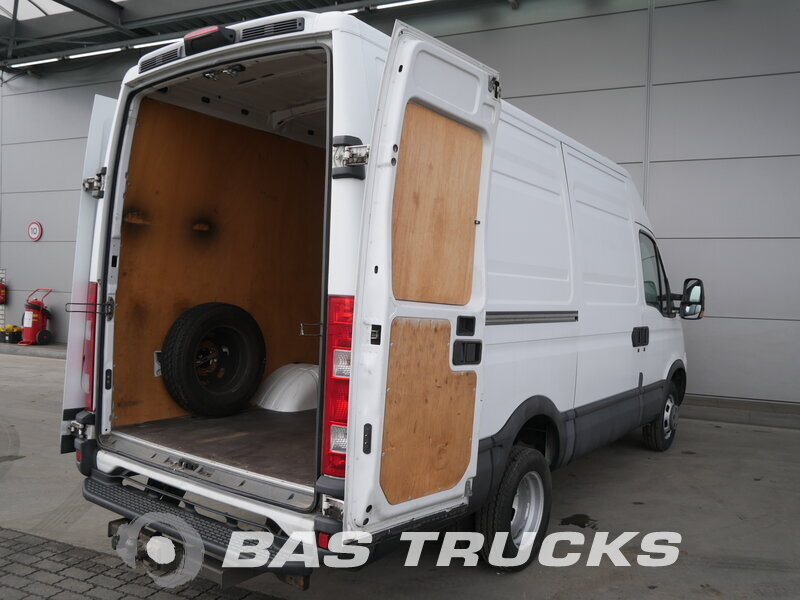 photo of Used Light commercial vehicle IVECO Daily 2008