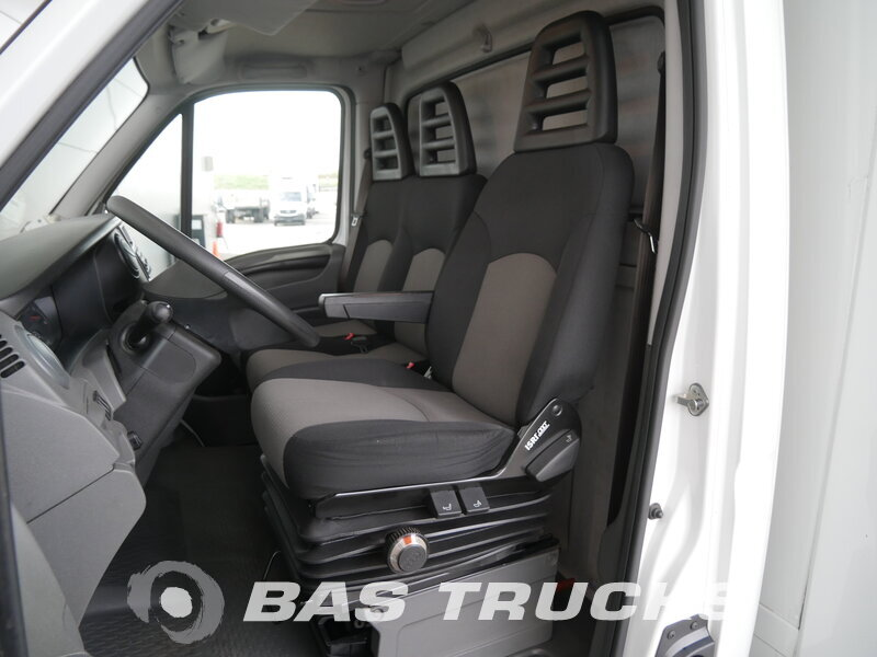 photo of Used Light commercial vehicle IVECO Daily 2012