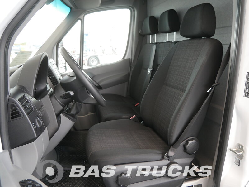 photo of Used Light commercial vehicle Mercedes Sprinter 2017